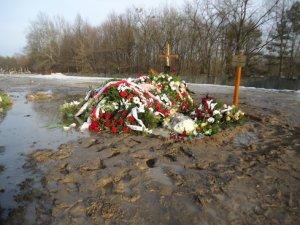 Bohdan Poręba - grób reżysera dzisiaj tonie w błocie.Wideo.