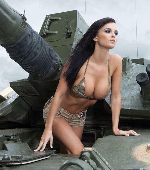 Doradca Poroszenki poinformował o dostawach broni z USA i Europy Czytaj dalej: http://polish.ruvr.ru/news/2014_09_07/Doradca-Poroszenki-poinformowal-o-dostawach-broni-z-USA-i-Europy-5370/